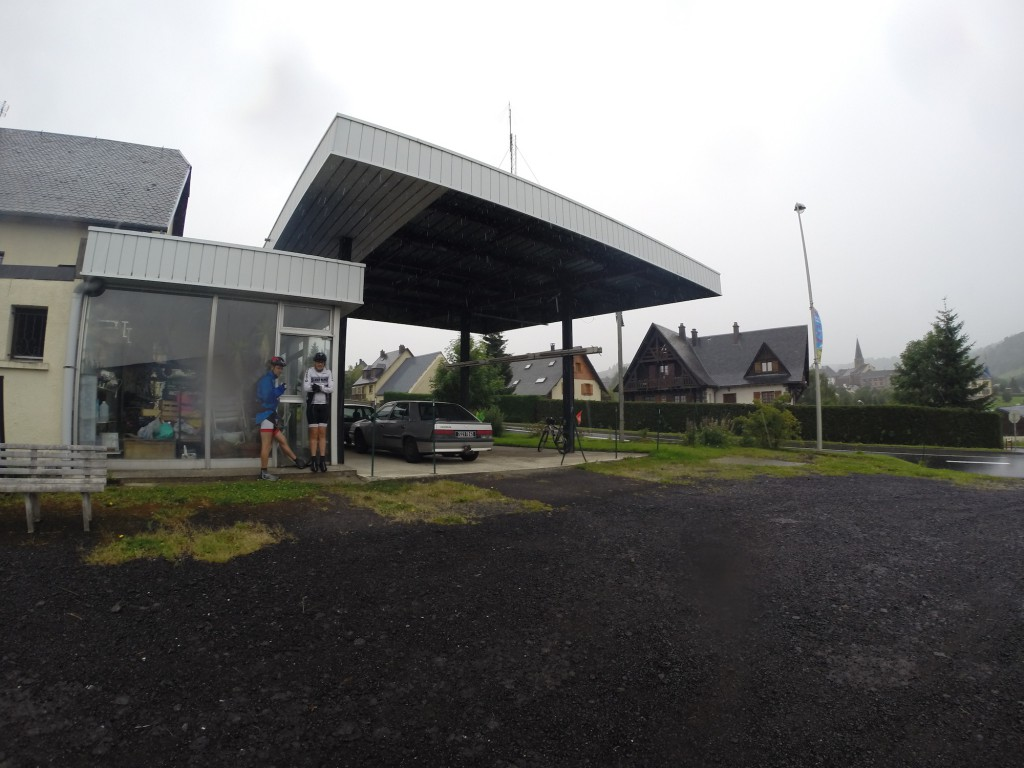 Etape 8: Ancienne station essence à Besse bis