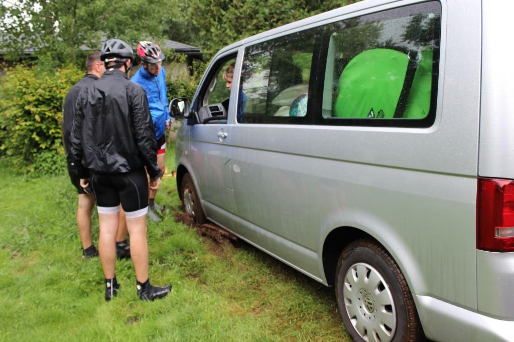 Etape 8: Le minibus embourbé